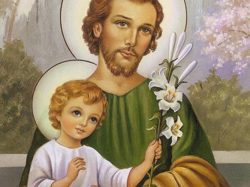 """""""São José, assim como cuidou com amor de Maria e se dedicou com empenho jubiloso à educação de Jesus, assim também guarda e protege a Igreja""""."""