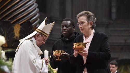 Papa Francisco aos consagrados:  Sejam fecundos graças à oração, pobreza e paciência.